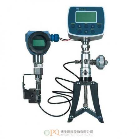 具可拆卸信號產生泵的現場高精度壓力校正器